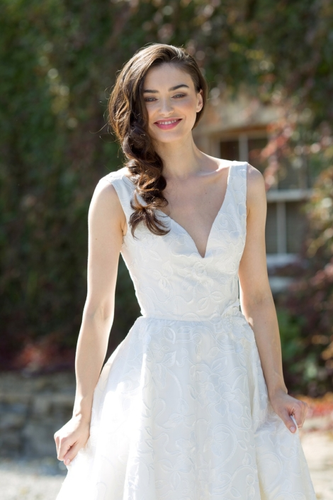 Ivory Thai Silk and Lace Bridal Gown Size 8-10 € 700