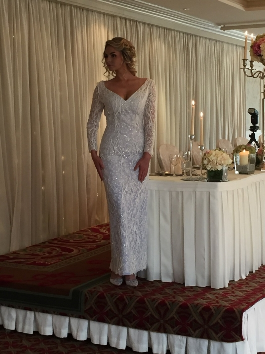 Winter White Bridal Lace Gown Size 8-10 €650
