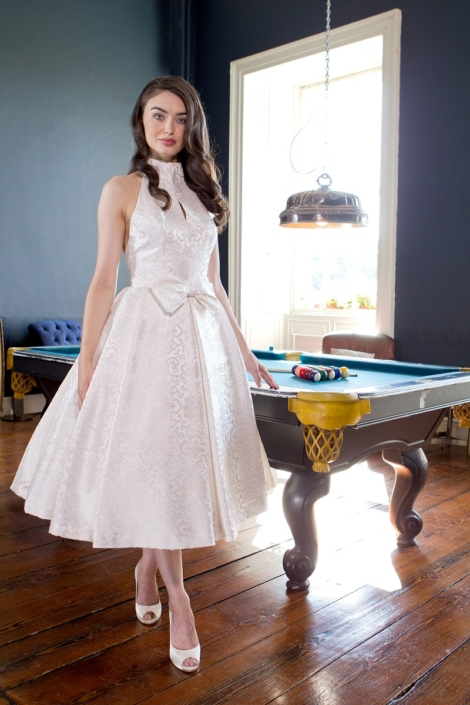 Sample Dresses For Sale Winter White Silk Brocade Bridal Gown Size 8-10 € 500