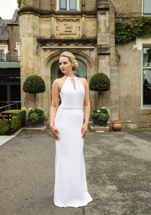 Sample Dresses For Sale Winter White Silk Crepe Bridal Gown Size 8-10 € 495