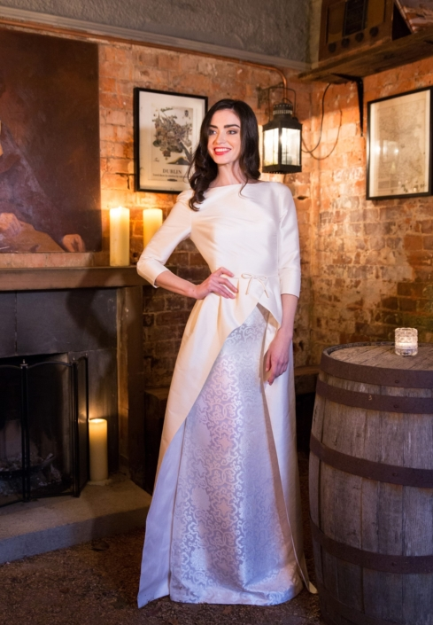 Winter White Thai Silk and Silk Brocade Bridal Gown Size 8-10 € 650