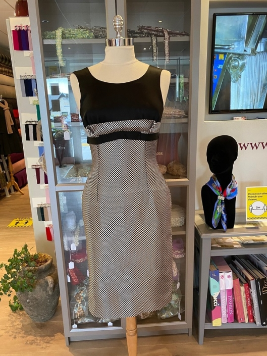 sample dress for sale roisin cross silks dublin Silk Brocade Day or Evening Dress Size 8 €190